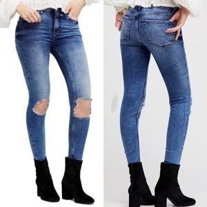 Free People Busted Knee High Rise Skinny Jeans 26